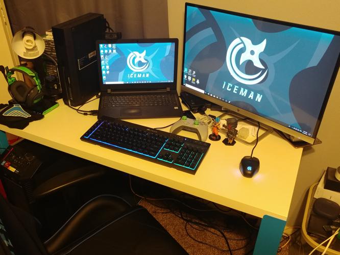 IceMan streamer desk